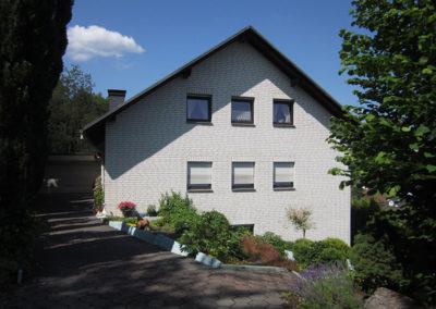 Immobilienmakler Arnsberg Einfamilienhaus mit Einliegerwohnung in Sundern